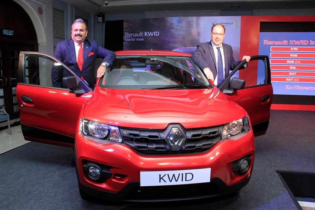 (L-R) - Mr. Sumit Sawhney, Country CEO and Managing Director, Renault India Operati