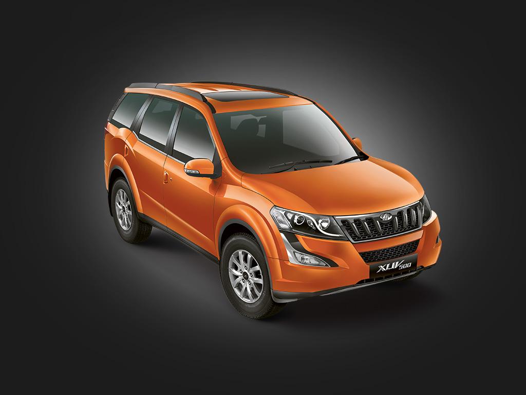 Mahindra XUV 500 1 lakh milestone