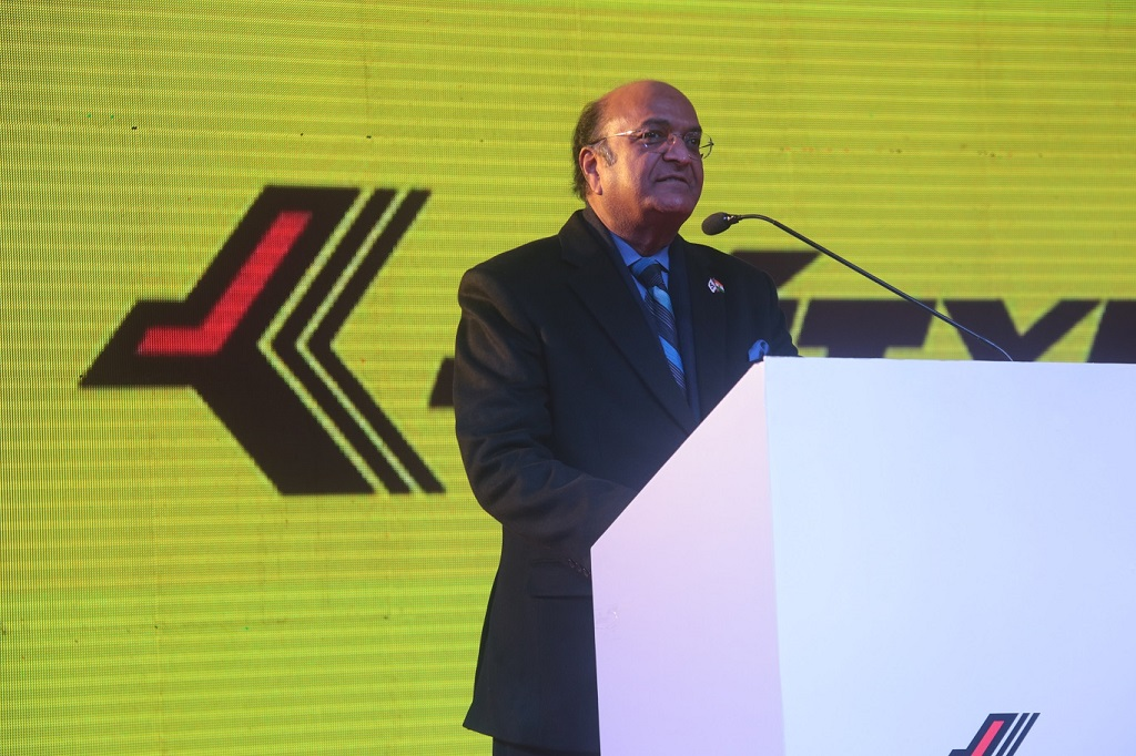Dr Raghupati Singhania, CMD, JK Tyre & Industries Ltd addressing the JK Tyre Baja Student India 2016 award ceremony_small