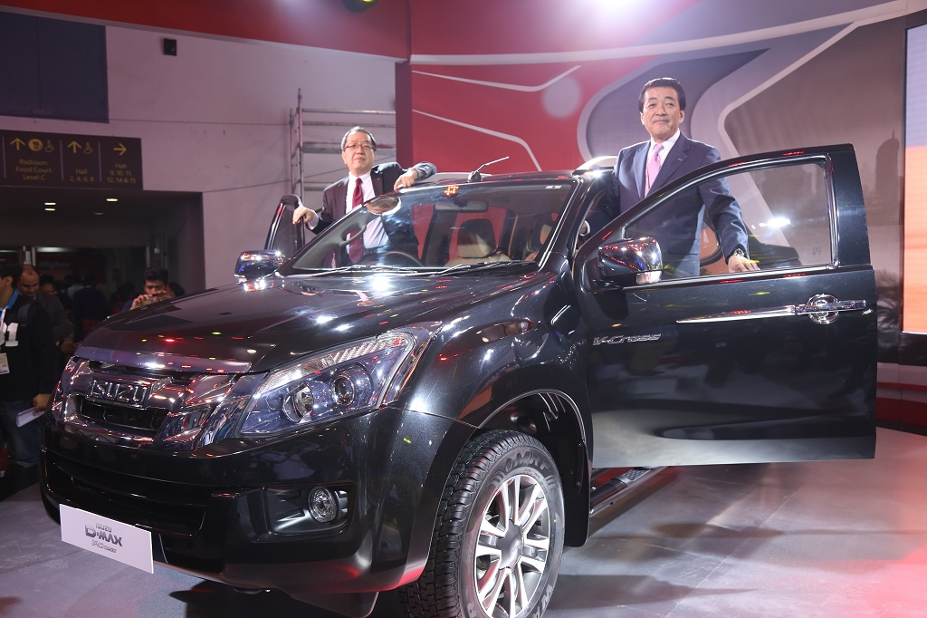 "India's 1st ""Adventure Utility Vehicle"" ISUZU D-MAX V-Cross introduced at the Auto Expo 2016"