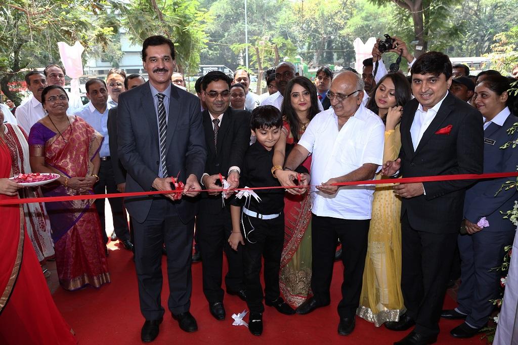 Arun Malhotra, MD Nissan Motor India Pvt Ltd inaugurating Shakti Nissan in Chembur