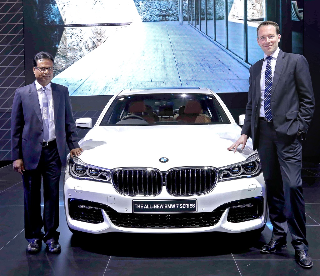 Photo 01 (R-L) Mr. Schloeder, (Act.) President, BMW Group India and Mr. Singhania, MD, Titanium Autos