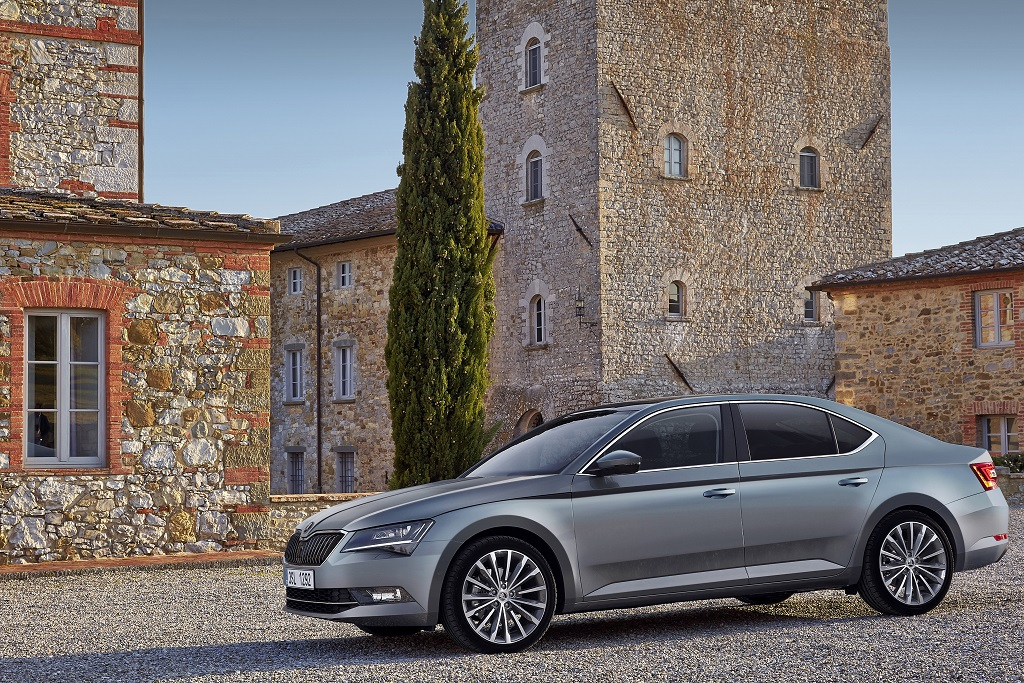 160721 J.D. Power Study ŠKODA clinches double victory for highest customer satisfaction (3)
