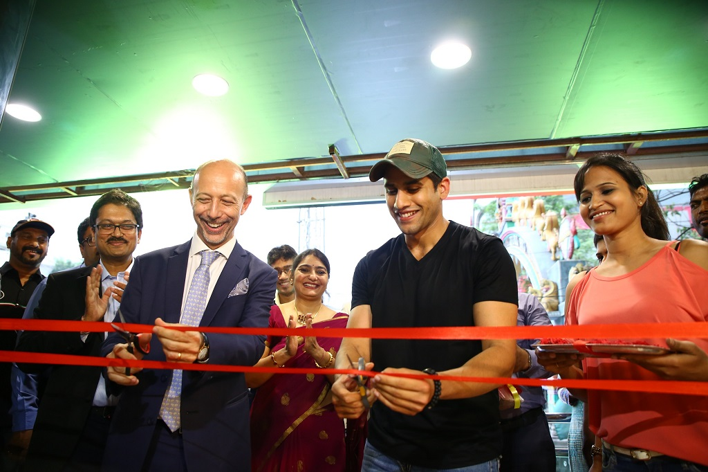 Inauguration of Motoplex Hyderabad by Tollywood heartthrob, Naga Chaitanya (R), in the presence of Mr. Stefano Pelle (L), Managing Director and CEO, Piaggio India