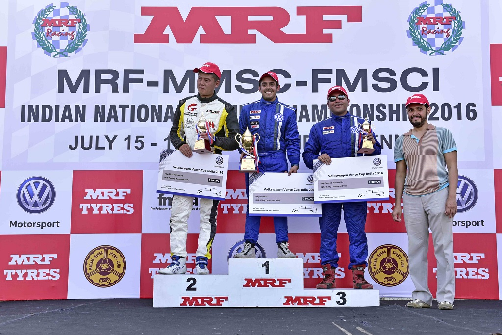 Ishaan Dodhiwala (centre) won the Race 4 of Vento Cup 2016 while guest d...