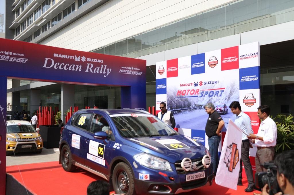 Mr Vineet Jain, Regional Manager (West), Maruti Suzuki India Ltd flag off Maruti Suzuki Deccan Rally1