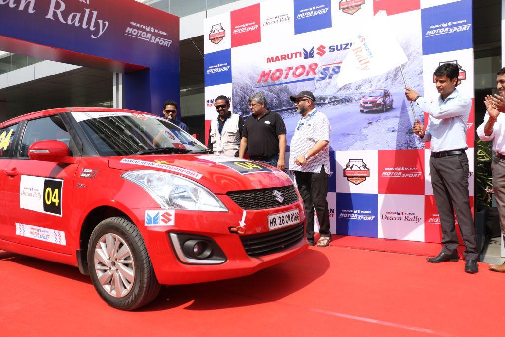 Mr Vineet Jain, Regional Manager (West), Maruti Suzuki India Ltd flag off Maruti Suzuki Deccan Rally3
