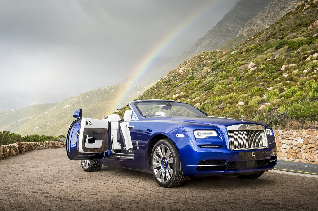 P90226353_highRes_rolls-royce-dawn-nam