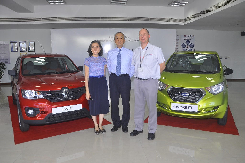 Mr. & Mrs. Hiramatsu with Mr. Colin MacDonald, MD & CEO, Renault Nissan Automotive India Private Limited
