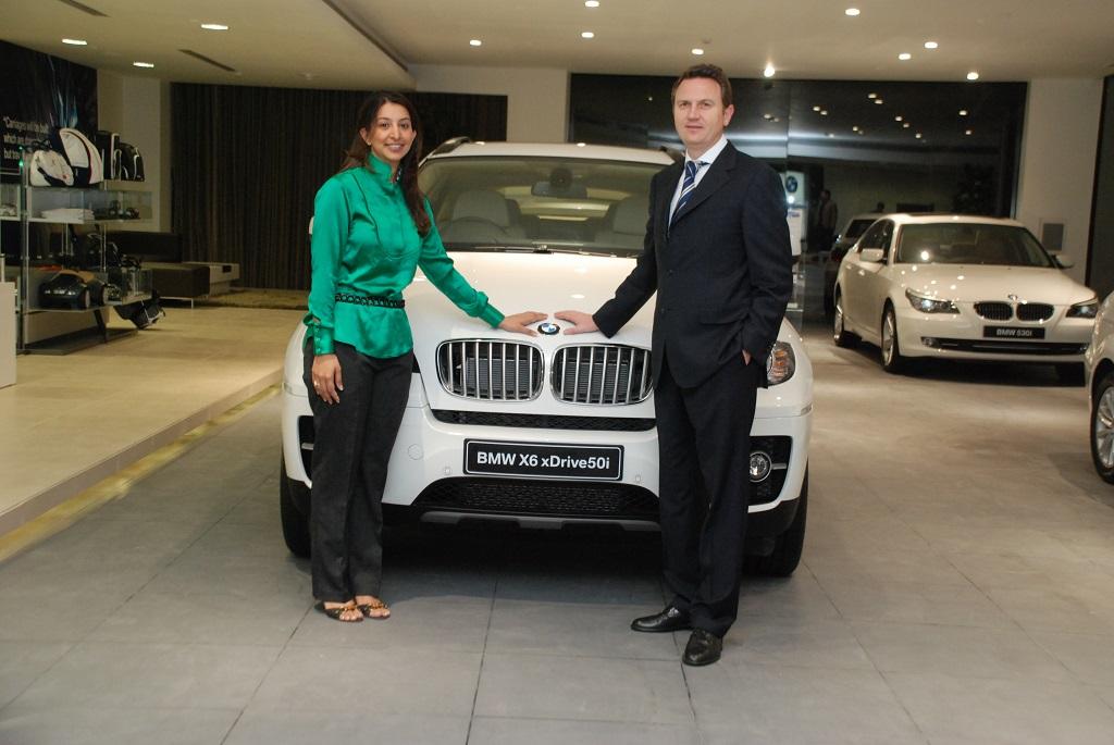 Pooja Chourdary  Peter Kronschnabl President BMW India