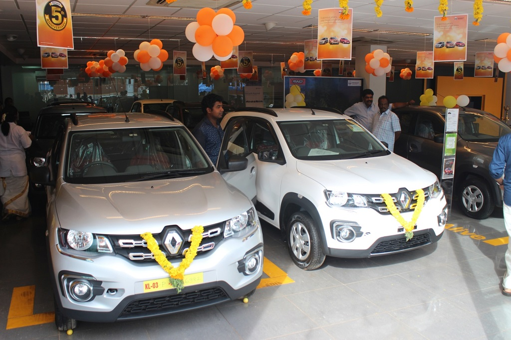 Renault India delivered 400 vehicles to its customers in Kerala on Chingam