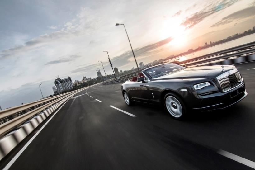 Rolls Royce Motor Cars presents New Dawn, super luxury motor car in India