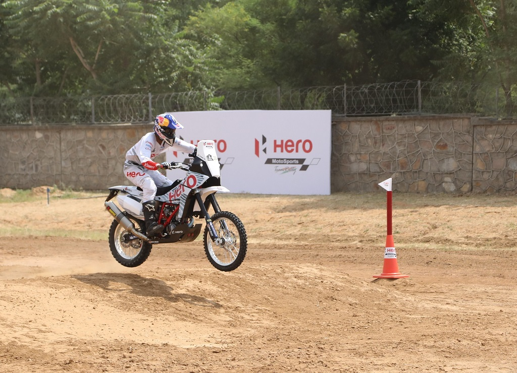 2-hero-motosports-team-rally-rider-at-hero-cit-in-jaipur-today