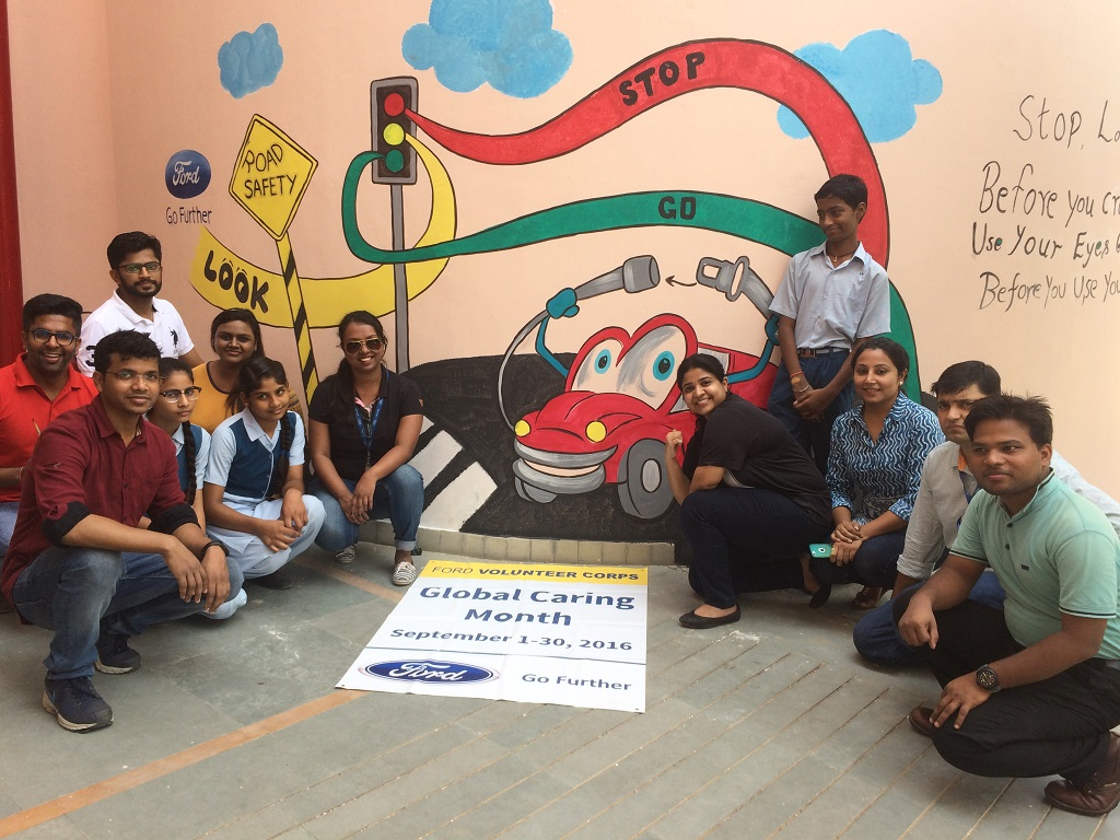 ford-volunteers-along-with-students-created-murals-themed-on-auto-road-safety-in-gurgaon