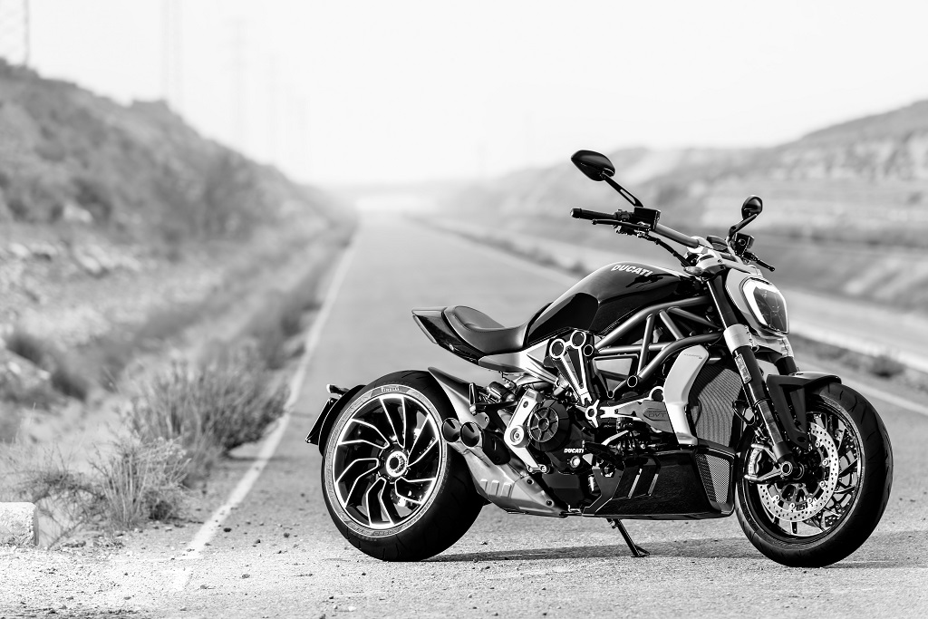 highly-awaited-cruiser-the-ducati-xdiavel-launched-in-india-2