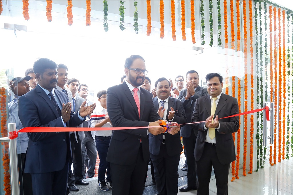 From Right to Left  –Mr. Pankaj Sharma, Head – Sales, Volkswagen Passenger Cars and Mr. Deepesh Goyal Inaugurating the Volkswagen New Dealership 'Volkswagen Agra' at 7/52 B Nagla Jawahar, Bye Pass Road, Agra – 282005
