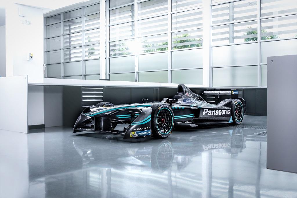 jaguar-returns-to-racing-with-i-type-adam-carroll-mitch-evans