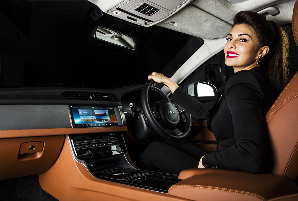 jacqueline-fernandez-with-the-all-new-jaguar-xf_2