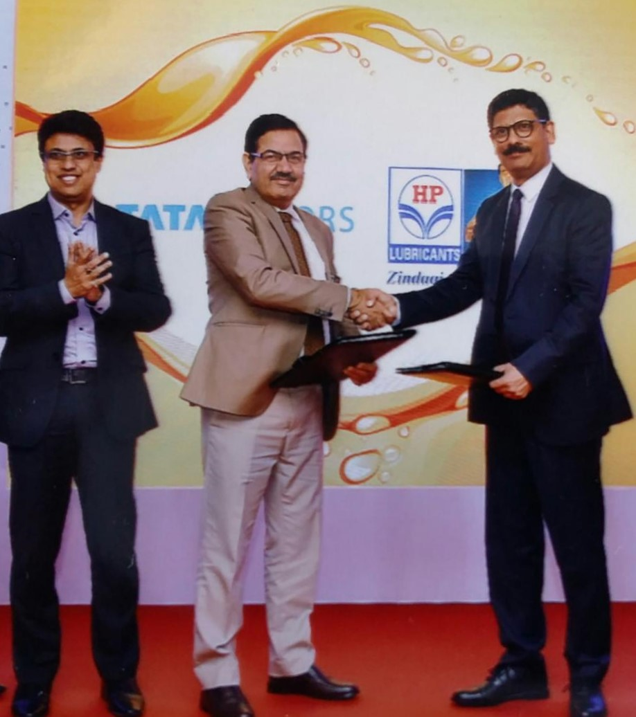 (L-R) Mr. Subhajit Roy, Head - Field Services, Customer Support, Passenger Vehicles Business, Tata Motors, Mr. Dinesh Bhasin, Head- Customer Support, Passenger Vehicles Business, Tata Motors and Mr. Rajnish Mehta, Executive Director – Direct Sales, HPCL, at the HP TMGO launch ceremony.