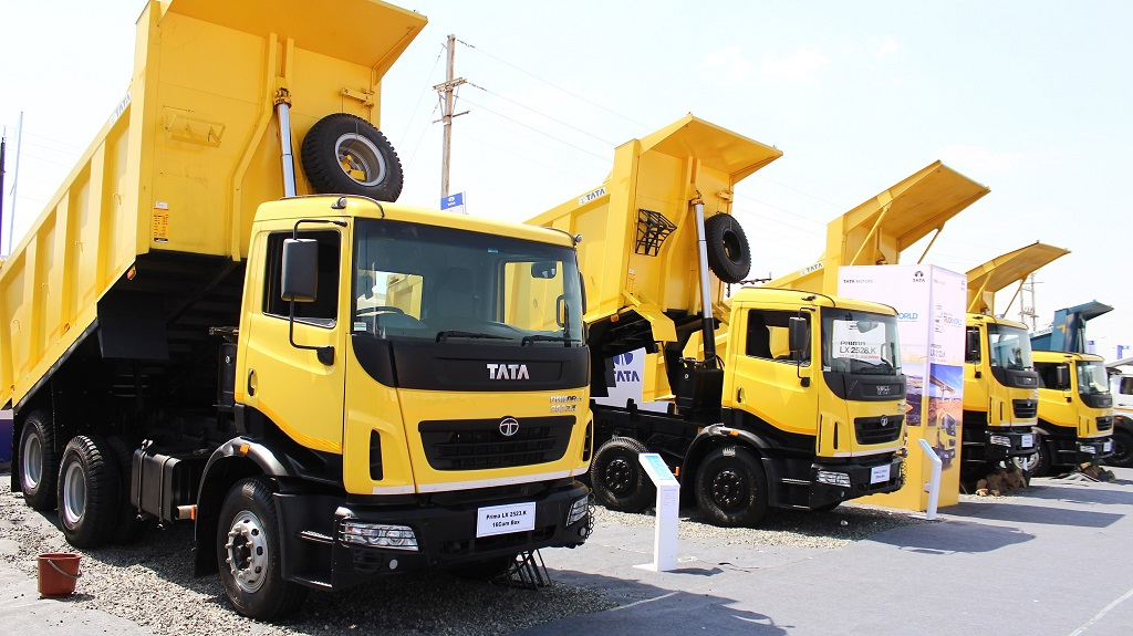 the-tata-prima-lx-range-showcased-at-truck-world-advanced-trucking-exp