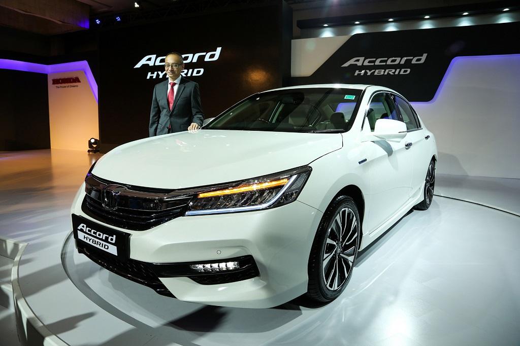 honda-launches-the-all-new-honda-accord-hybrid-in-india-7