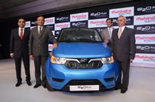 mahindra-drives-in-its-new-electric-citysmart-car-the-e2oplus