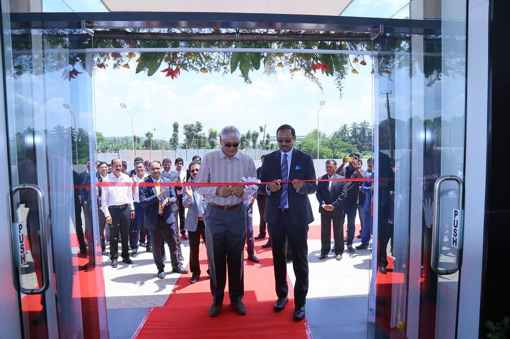 mr-santosh-iyer-vp-after-sales-retail-training-and-mr-sharath-vijay