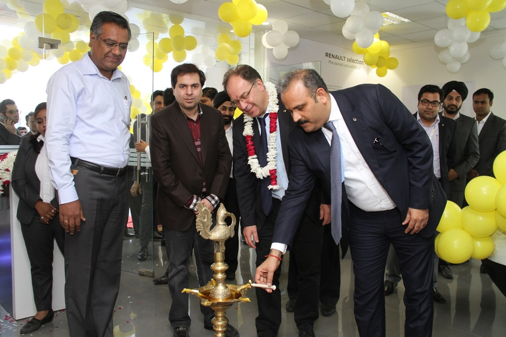 renault-india-expands-its-pre-owned-car-business-renault-selection-with-new-facility-in-faridabad-1