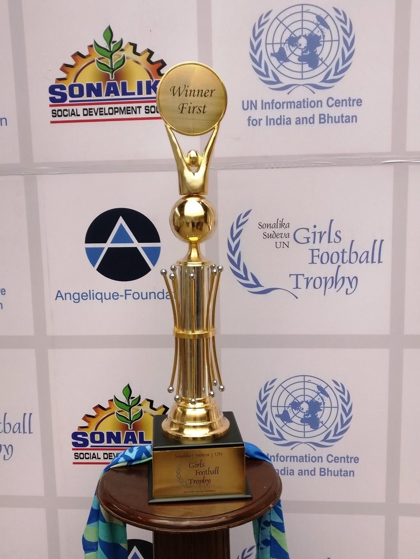 sonalika-sudeva-un-girls-football-league-trophy