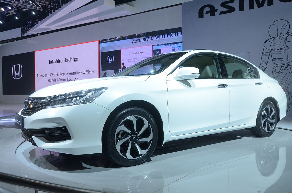 honda-cars-india-showcased-its-flagship-sedan-honda-accord-at-the-auto-expo-the-motor-show-2016