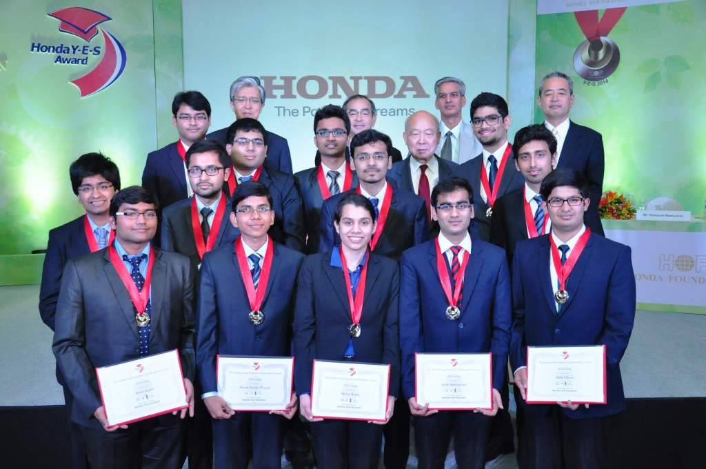 honda-foundation-felicitates-indian-students-at-the-8th-young-engineers-and-scientists-y-e-s-awards-for-2014