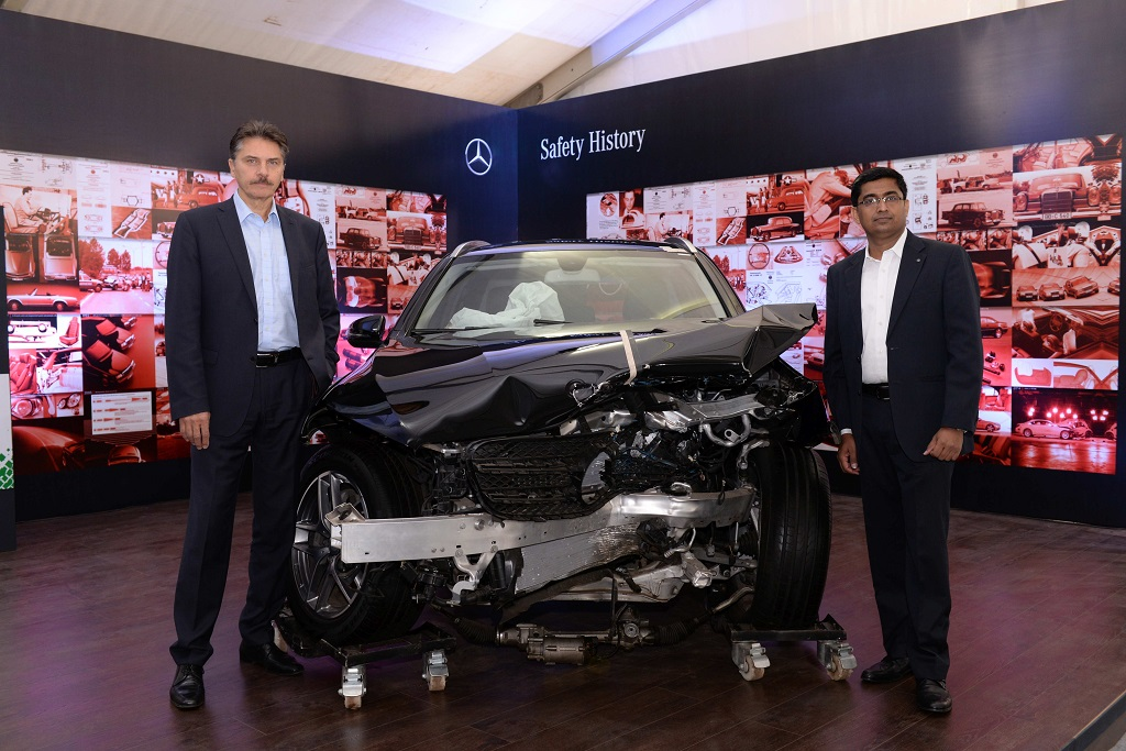 prof-schoneburg-director-mercedes-benz-cars-development-safety-durability-corrosion-protection-and-mr-manu-saale-managing-director-ceo-mbrdi-at-safe-roads-event-in-kolkata