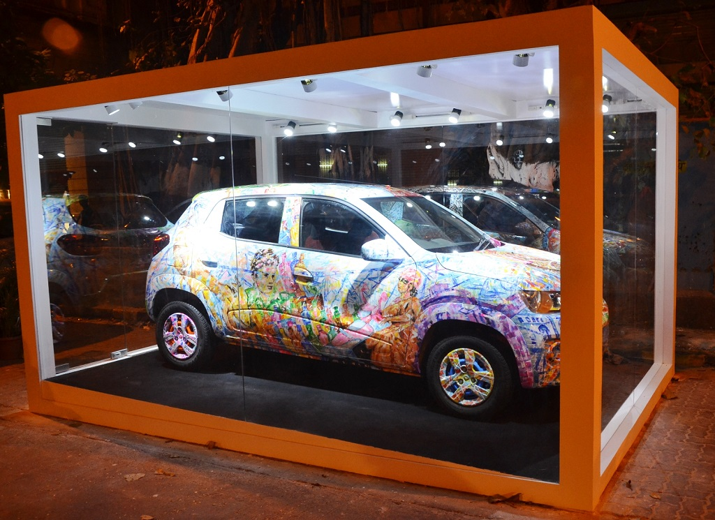renault-kwid-car-at-kala-ghoda