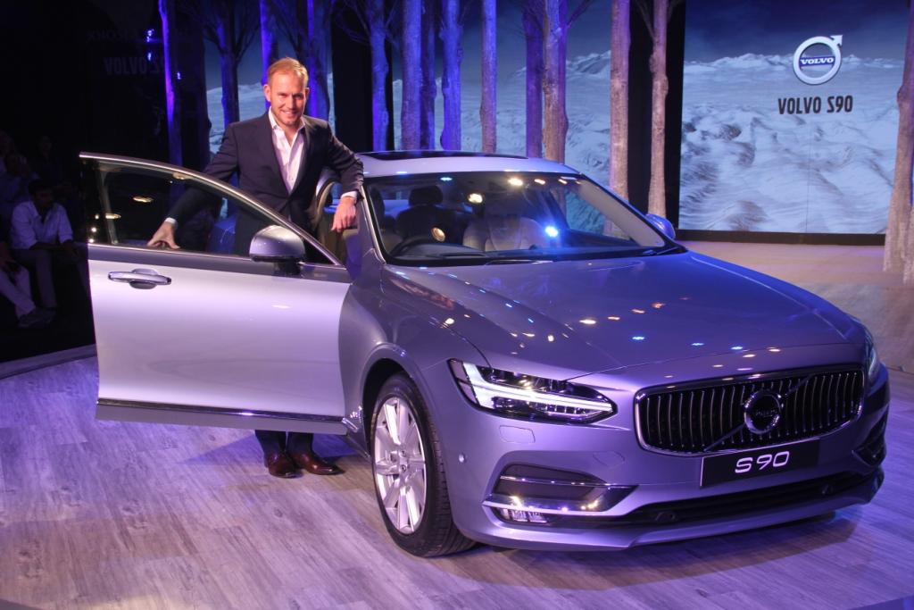 tom-von-bonsdorff-managing-director-volvo-auto-india-at-the-unveiling-of-volvo-s90