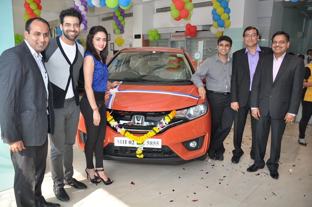 nach-baliye-winners-with-honda-jazz-and-honda-officials-nxpowerlite