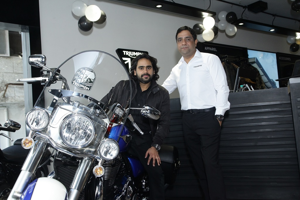 kunal-gambhir-dealer-principal-one-triumph-with-vimal-sumbly-managing-director-triumph-mototcycles-india