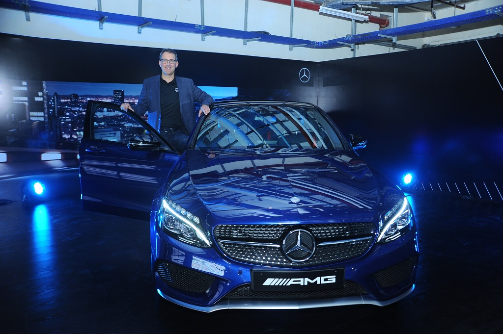 mr-michael-jopp-vice-president-sales-and-marketing-mercedes-benz-ind-_2