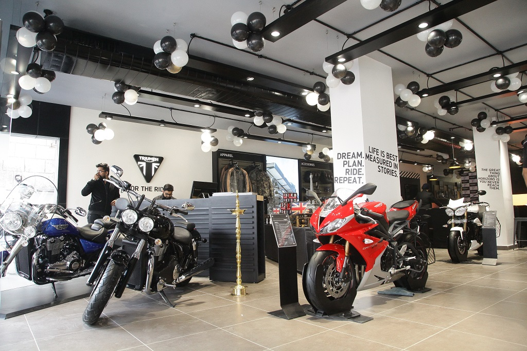 triumph-mototcycles-14th-dealership-in-india