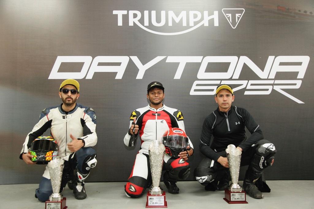 winners-l-to-r-kulwant-singh-deepak-ravikumar-and-vijay-singh