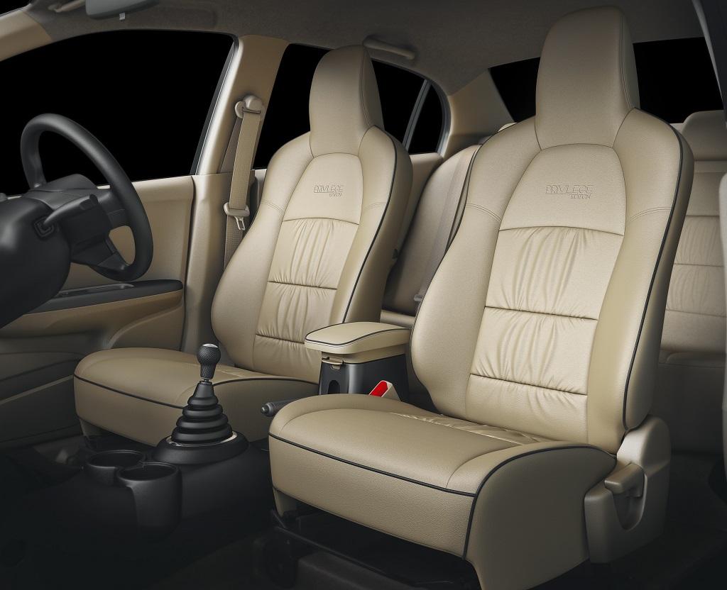Honda Amaze-space-with-armrest-shot
